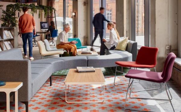 Naughtone – moderní nábytek, který je v zásadě všestranný